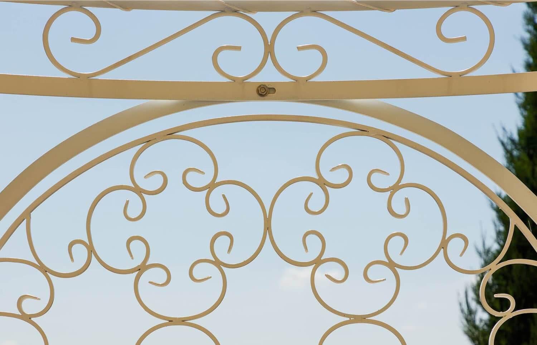 Rankgitter Rosa, Detailansicht, pulverbeschichtet in Sonderfarbe weiß