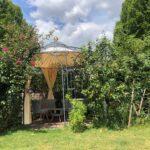 Pavillon Milano pulverbeschichtet anthrazit mit Vorhängen und Sonnensegel in Ecru