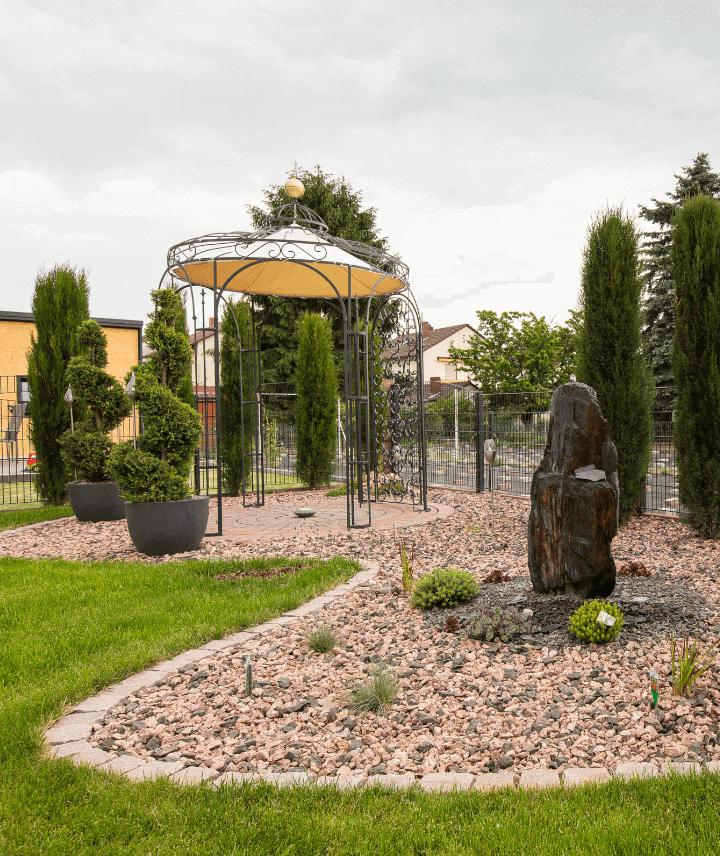 pavillon-siena-pulverbeschichtet-sonnensegel-messingkugel_720x856_stage