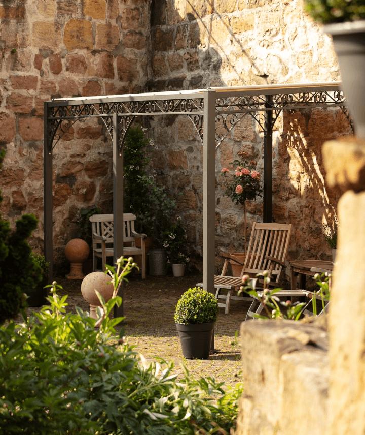 Pergola Sardegna - als Wohlfühl-Oase in pulverbeschichtet anthrazit
